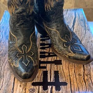 Corral Boots, Wings and Cross
